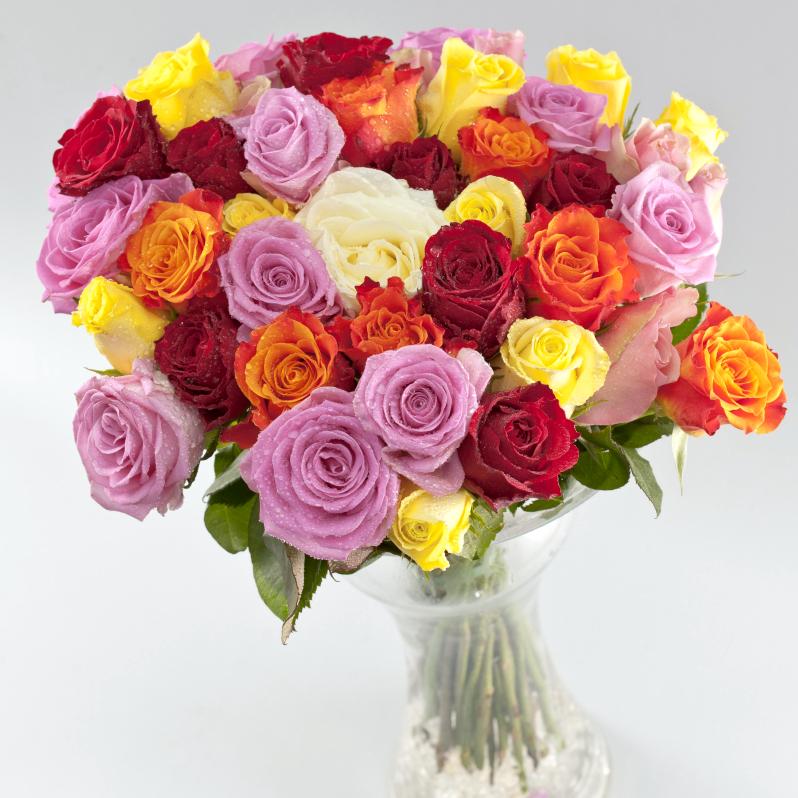 Букет из цветных роз маленьких