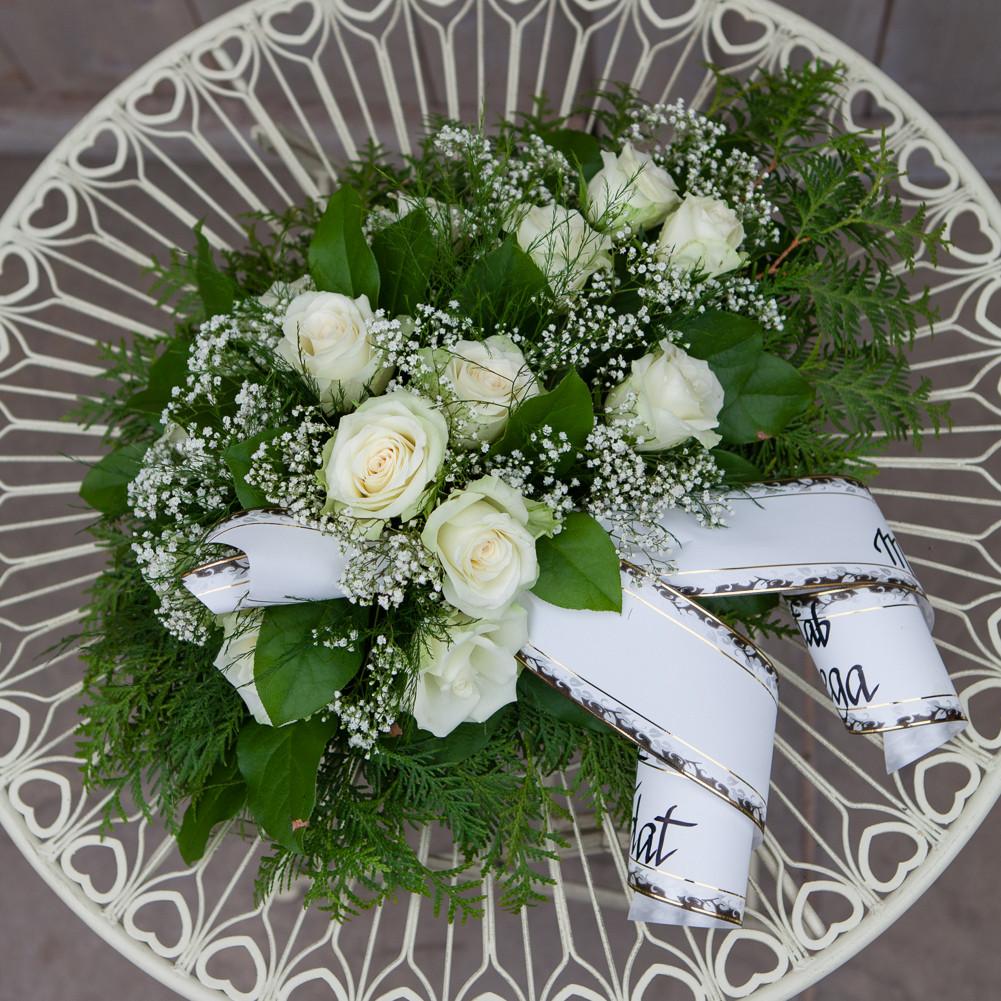 Valgetest roosidest matuseseade jardin lilled for Jardin lilled